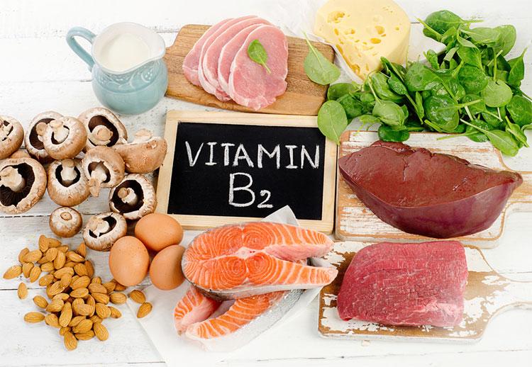 Khô môi là thiếu vitamin gì?